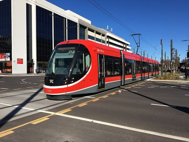 800px-urbos_3_departing_alinga_street_light_rail_stop.jpg